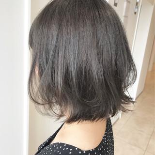 レイヤーカット ボブ ナチュラル グレージュ ヘアスタイルや髪型の写真・画像