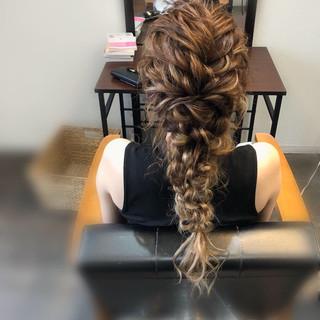 ロング ヘアアレンジ 編みおろし ねじり ヘアスタイルや髪型の写真・画像