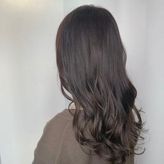 ロング レイヤー ナチュラル オフィス ヘアスタイルや髪型の写真・画像
