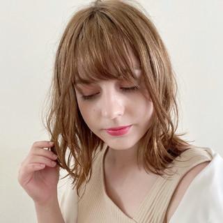 切りっぱなしボブ 夏 ナチュラル ミディアム ヘアスタイルや髪型の写真・画像