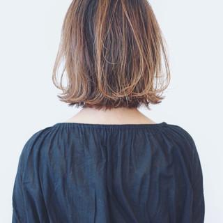 フェミニン バレイヤージュ グラデーションカラー 外国人風カラー ヘアスタイルや髪型の写真・画像 ヘアスタイルや髪型の写真・画像