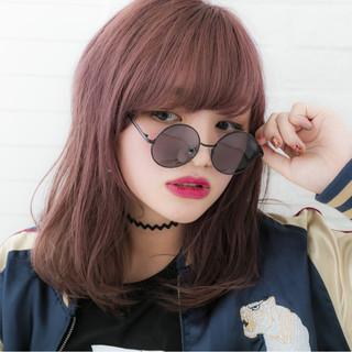 ピンク レッド ブリーチ ガーリー ヘアスタイルや髪型の写真・画像