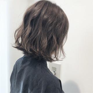 透明感 グレージュ アンニュイほつれヘア 切りっぱなし ヘアスタイルや髪型の写真・画像