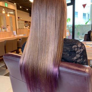 裾カラー ロングヘアスタイル フェミニン パープル ヘアスタイルや髪型の写真・画像
