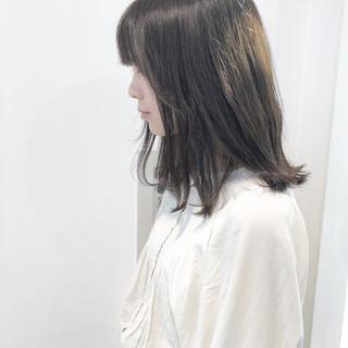 ナチュラル ヘアアレンジ 切りっぱなしボブ ミルクティーグレージュ ヘアスタイルや髪型の写真・画像
