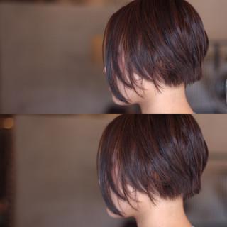 ブリーチ アッシュ ショート 前下がり ヘアスタイルや髪型の写真・画像