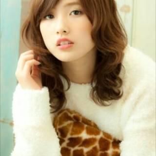 愛され 大人かわいい フェミニン セミロング ヘアスタイルや髪型の写真・画像