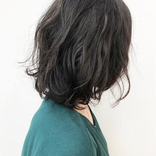 黒髪 ミディアム 無造作パーマ ボブ ヘアスタイルや髪型の写真・画像