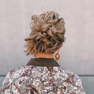 ミディアム ナチュラル ハイトーン 簡単ヘアアレンジ ヘアスタイルや髪型の写真・画像