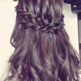 ヘアアレンジ 夏 フェミニン ハーフアップ ヘアスタイルや髪型の写真・画像