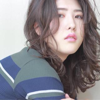 暗髪 チークライン ゆるふわ 色気 ヘアスタイルや髪型の写真・画像