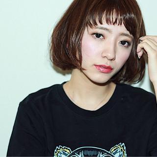 モード ウェットヘア ワイドバング オン眉 ヘアスタイルや髪型の写真・画像
