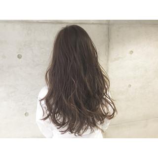 ナチュラル ロング ゆるふわ アッシュ ヘアスタイルや髪型の写真・画像