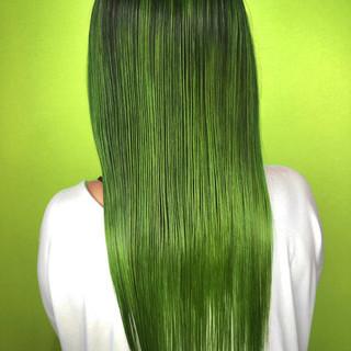 グリーン ターコイズ ロング ストリート ヘアスタイルや髪型の写真・画像