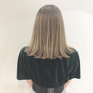 ミルクティーベージュ アッシュ ミルクティー ブリーチ ヘアスタイルや髪型の写真・画像