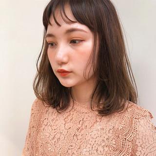 ミディアム ロブ 切りっぱなしボブ ワンカールスタイリング ヘアスタイルや髪型の写真・画像