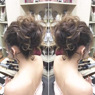 ルーズ アップスタイル お団子 ポニーテール ヘアスタイルや髪型の写真・画像