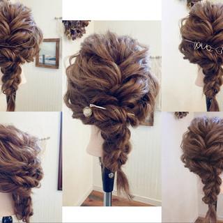 フェミニン 結婚式 編みおろしヘア デート ヘアスタイルや髪型の写真・画像