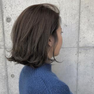 アッシュブラウン アッシュグレージュ ボブ 前髪あり ヘアスタイルや髪型の写真・画像