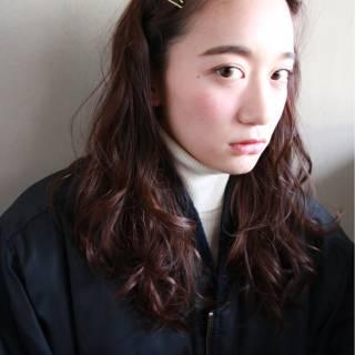 センターパート ロング ストリート 暗髪 ヘアスタイルや髪型の写真・画像