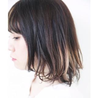 モード グレージュ アンニュイほつれヘア グラデーションカラー ヘアスタイルや髪型の写真・画像 ヘアスタイルや髪型の写真・画像