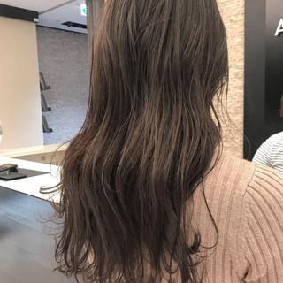 ゆるふわ 秋 透明感 ナチュラル ヘアスタイルや髪型の写真・画像 ヘアスタイルや髪型の写真・画像