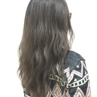 ガーリー ロング イルミナカラー ニュアンス ヘアスタイルや髪型の写真・画像