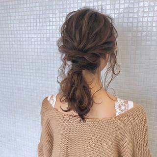 ローポニーテール 簡単ヘアアレンジ ナチュラル ポニーテール ヘアスタイルや髪型の写真・画像 ヘアスタイルや髪型の写真・画像