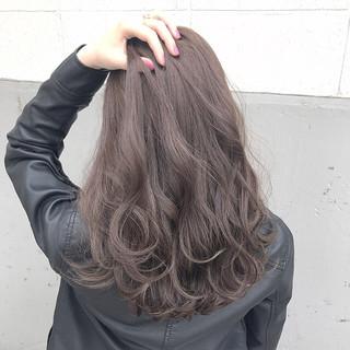 ハイライト 上品 ニュアンス アッシュ ヘアスタイルや髪型の写真・画像