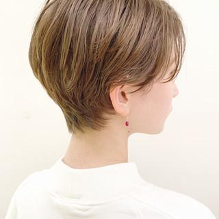 パーマ ショート フェミニン スポーツ ヘアスタイルや髪型の写真・画像