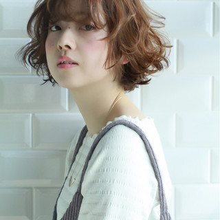 フェミニン ミディアム ボブ 束感 ヘアスタイルや髪型の写真・画像