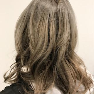ネイビー ネイビーアッシュ グラデーションカラー グレー ヘアスタイルや髪型の写真・画像