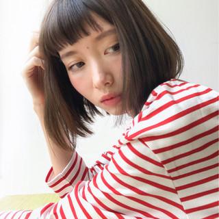 前髪あり デート フリンジバング ミルクティー ヘアスタイルや髪型の写真・画像
