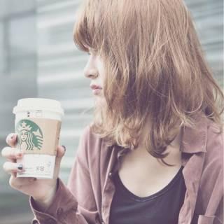 ストリート 大人かわいい カーキアッシュ ミディアム ヘアスタイルや髪型の写真・画像