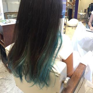 ビビッドカラー ストリート グラデーションカラー ブルー ヘアスタイルや髪型の写真・画像