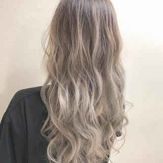 ダブルカラー エレガント トリートメント ハイライト ヘアスタイルや髪型の写真・画像 ヘアスタイルや髪型の写真・画像