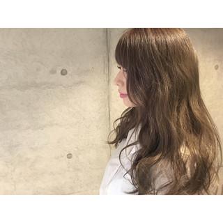 大人かわいい ゆるふわ グラデーションカラー 外国人風 ヘアスタイルや髪型の写真・画像