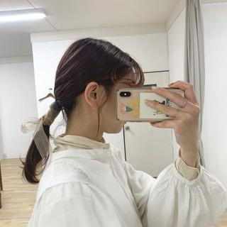 リボンアレンジ ローポニーテール 赤髪 簡単ヘアアレンジ ヘアスタイルや髪型の写真・画像