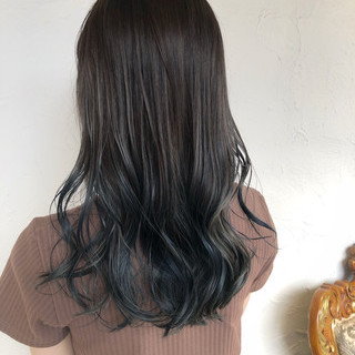 透明感カラー セミロング コテ巻き フェミニン ヘアスタイルや髪型の写真・画像