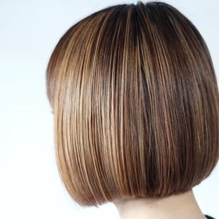ハイライト ボブ 切りっぱなし パープル ヘアスタイルや髪型の写真・画像
