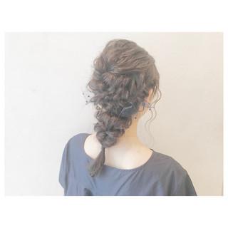 セミロング フェミニン アンニュイ 結婚式 ヘアスタイルや髪型の写真・画像