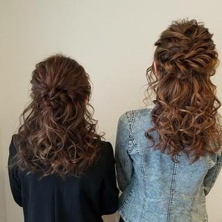 フェミニン ヘアアレンジ セミロング ハーフアップ ヘアスタイルや髪型の写真・画像