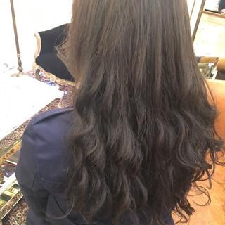 アッシュ 暗髪 ガーリー 秋 ヘアスタイルや髪型の写真・画像