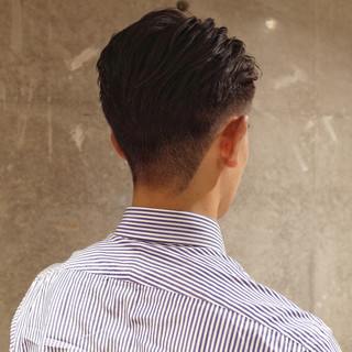 ツーブロック メンズパーマ メンズ ショート ヘアスタイルや髪型の写真・画像