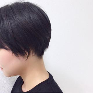 刈り上げ 暗髪 ナチュラル 黒髪 ヘアスタイルや髪型の写真・画像