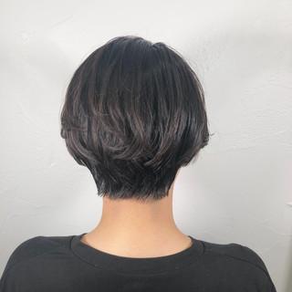アウトドア オフィス 黒髪 ナチュラル ヘアスタイルや髪型の写真・画像