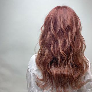 ロング 透明感カラー 春ヘア ピンクベージュ ヘアスタイルや髪型の写真・画像