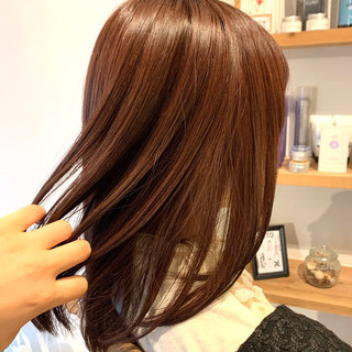 イルミナカラー ナチュラル ミディアム ツヤ髪 ヘアスタイルや髪型の写真・画像