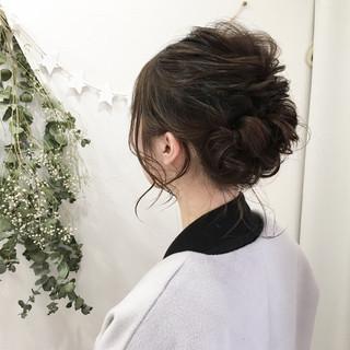 ミディアム 成人式 ヘアアレンジ ナチュラル ヘアスタイルや髪型の写真・画像