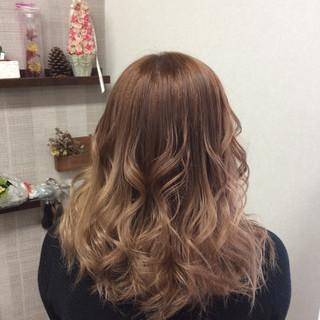 セミロング イルミナカラー ダブルカラー ガーリー ヘアスタイルや髪型の写真・画像 ヘアスタイルや髪型の写真・画像